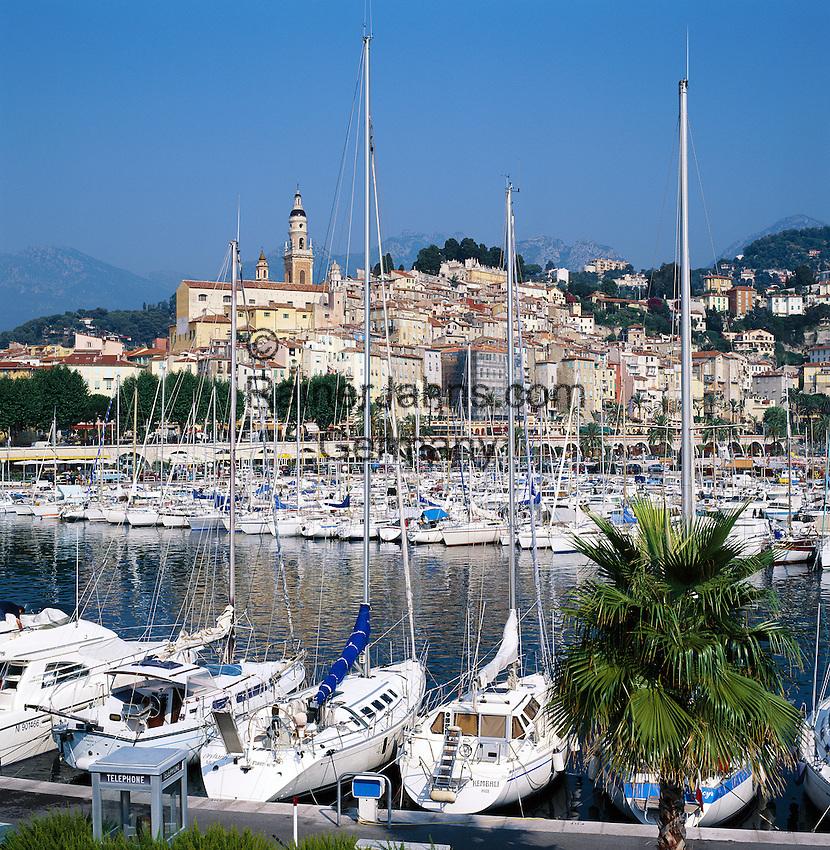 France, Côte d'Azur, Menton: View of Harbour and Old Town | Frankreich, Côte d'Azur, Menton: Hafen und Altstadt