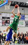 2015-10-31 / Basketbal / seizoen 2015-2016 / Oxaco - Gistel Oostende / Nick Celis probeert te scoren voor Oxaco<br /><br />Foto: Mpics.be