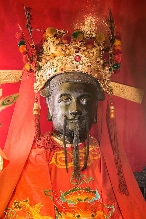 Man Tai (God of Martial Arts).