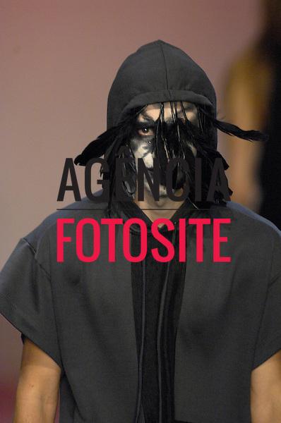 ALEXANDRE HERCHCOVITCH MASC<br /> SPFW - Verao 2008<br /> Foto: Olivier Claisse/Ag. Fotosite