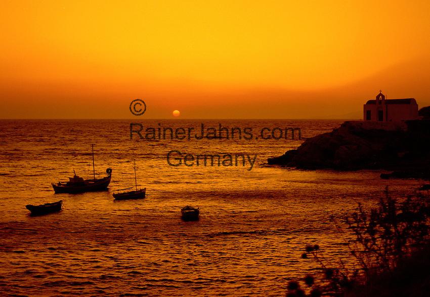 Greece, Cyclades, Island Naxos: largest island in the Cyclades island group - sunset at coastline | Griechenland, Kykladen, Insel Naxos: groesste Insel der Kykladen - Sonnenuntergang an der Kueste