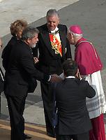 Roma 8/4/2005 St Peter's square<br /> <br /> Rome - Vatican City, 8-4-2005: John Paul II's funeral in piazza San Pietro. Brazil President Lula<br /> <br /> Funerali del Papa Giovanni Paolo II <br /> <br /> Foto Rap Insidefoto