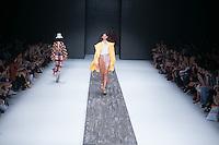 SÃO PAULO,SP, 25.10.2016 - SPFW-A.BRAND - Desfile da grife A. Brand durante a São Paulo Fashion Week TRANS N42, nos jardins do Parque Ibirapuera, na zona sul de São Paulo, nesta terça-feira, 25.  (Foto: Ciça Neder/Brazil Photo Press)