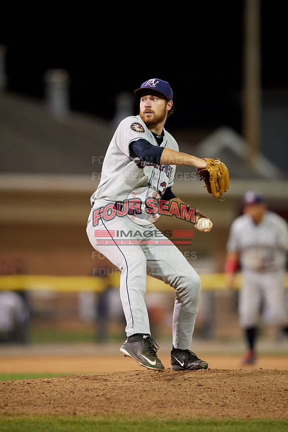 Mahoning Valley Scrappers starting pitcher Zack Draper (32) delivers a pitch during the second game of a doubleheader against the Batavia Muckdogs on August 28, 2017 at Dwyer Stadium in Batavia, New York.  Mahoning Valley defeated Batavia 2-0.  (Mike Janes/Four Seam Images)