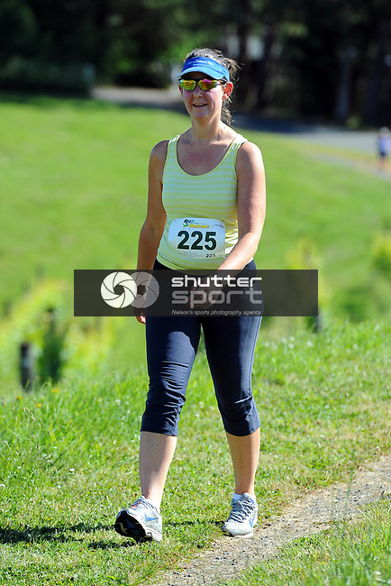 2013 Run Mahana. Woollaston Estates Vineyard, Motueka, New Zealand. Sunday 1 December 2013. Photo: Chris Symes/www.shuttersport.co.nz