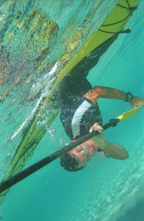 Esquimautage en kayak. cette technique permet de remonter a la surface en cas de retrournement.  Corse (cote ouest). France.