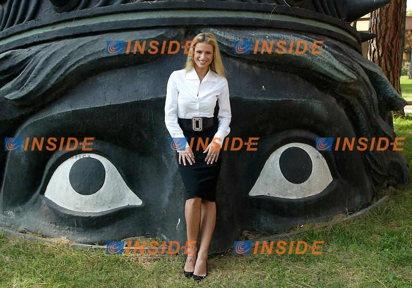 Roma 13/10/2003 <br /> Presentazione programma superstar. <br /> La conduttrice Michelle Hunziger. <br /> Foto Staccioli / Insidefoto