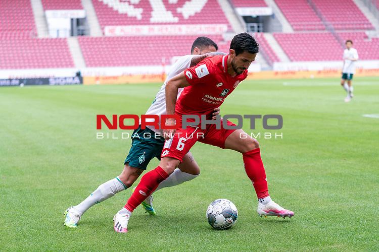 Danny Latza (FSV Mainz 05 #06), Leonardo Bittencourt  (Werder Bremen #10)<br /> <br /> <br /> Sport: nphgm001: Fussball: 1. Bundesliga: Saison 19/20: 33. Spieltag: 1. FSV Mainz 05 vs SV Werder Bremen 20.06.2020<br /> <br /> Foto: gumzmedia/nordphoto/POOL <br /> <br /> DFL regulations prohibit any use of photographs as image sequences and/or quasi-video.<br /> EDITORIAL USE ONLY<br /> National and international News-Agencies OUT.