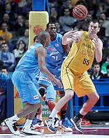 Asefa Estudiantes' Jayson Granger (l) and Lamont Barnes (c) and Herbalife Gran Canaria's Uros Slokar during Liga Endesa ACB match.December 19,2012. (ALTERPHOTOS/Acero) /NortePhoto