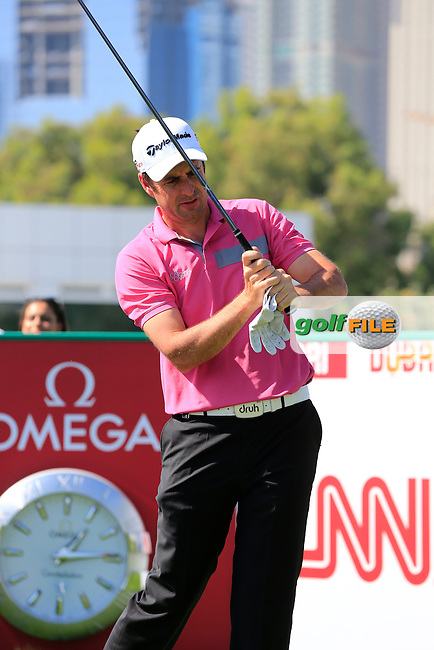 Richard BLAND (ENG) on the 1st tee to start his game during Pink Friday's Round 2 of the 2015 Omega Dubai Desert Classic held at the Emirates Golf Club, Dubai, UAE.: Picture Eoin Clarke, www.golffile.ie: 1/30/2015