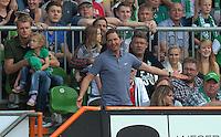 FUSSBALL   1. BUNDESLIGA   SAISON 2011/2012    3. SPIELTAG SV Werder Bremen - SC Freiburg                             20.08.2011 Trainer Marcus SORG (Freiburg) musste nach einem Platzverweis auf die Tribuene