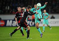 FUSSBALL   CHAMPIONS LEAGUE   SAISON 2011/2012   ACHTELFINALE  Bayer 04 Leverkusen - FC Barcelona              14.02.2012 Daniel Schwaab (li, Bayer 04 Leverkusen) gegen Adriano (re, Barca)