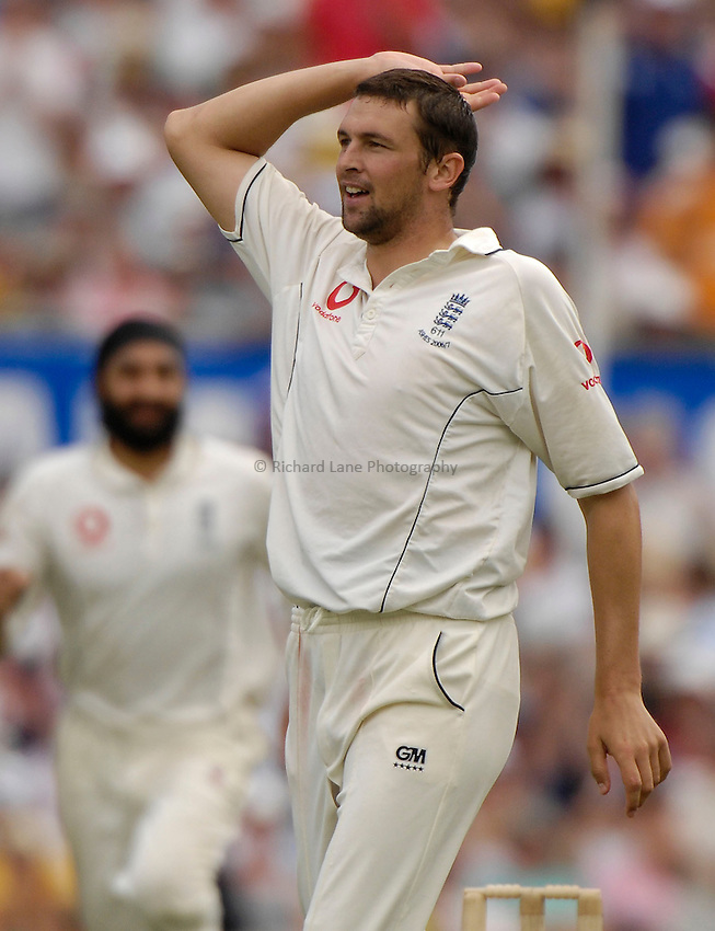 Photo: Steve Holland..Australia v England. 3 mobile Test Series, The Ashes 2006/07, 5th Test. 03/01/2007..Steve Harmison gets the wicket of Matthew Hayden.