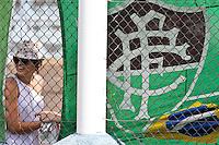 ATENÇÃO EDITOR: FOTO EMBARGADA PARA VEÍCULOS INTERNACIONAIS PRESIDENTE PRUDENTE 11 NOVEMBRO 2012 - CAMPEONATO BRASILEIRO - PALMEIRAS x FLUMINENSE - Torcedoras  do Fluminense  antes da durante partida Palmeiras x Fluminense válido pela 35º rodada do Campeonato Brasileiro no Estádio Eduardo José Farah. Apelido, (Prudentão), no interior paulista na tarde deste domingo (11).(FOTO: ALE VIANNA -BRAZIL PHOTO PRESS)