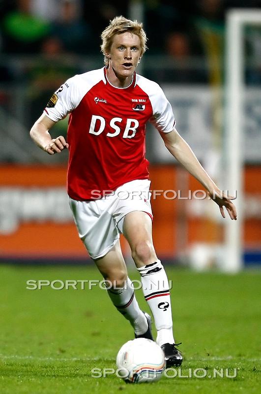 Nederland, Den Haag, 12  september 2009..Eredivisie.seizoen 2009-2010.Ado Den Haag -AZ  (2-1).Rasmus Elm van AZ in actie met de bal