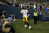 Ben Roethlisberger #7 of the Pittsburgh Steelers runs off of the field in the fourth quarter against the Seattle Seahawks during the game at CenturyLink Field on November 29, 2015 in Seattle, Washington. (Photo by Jared Wickerham/DKPittsburghSports)