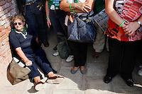 Venezia: una signora aderente al partito della lega nord partecipa alla quindicesima edizione della festa nazionale dei popoli padani.
