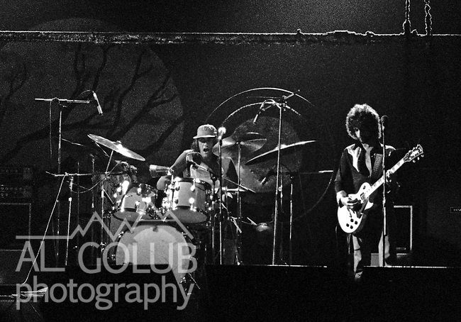 Modesto, California—Some time in early 1976, Fleetwood Mac Kingfish and an unknown at this time other groups played For Jerry Schweitzer at the Olympic Gold Ice Arena. Fleetwood Mac performers were Mick Fleetwood (drums) Stevie Nicks (vocals), John McVie (bass)  Christine McVie (keyboard) and Lindsey Buckingham (lead Guitar)Photo by Al Golub/Golub Photography