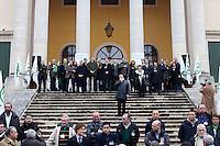 Vicenza: i leader della Lega Nord davanti alla villa palladiana La Favorita per la presentazione del parlamento padano.