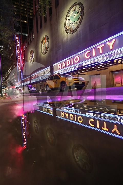 NOVA YORK, EUA, 02.06.2019 - TURISMO-EUA - Vista do Radio City Hall casa de espetáculos na cidade de Nova York nos Estados Unidos na noite deste domingo, 02. (Foto: William Volcov/Brazil Photo Press)