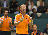 Switserland, Genève, September 18, 2015, Tennis,   Davis Cup, Switserland-Netherlands, Dutch Captain Jan Siemerink reacts<br /> Photo: Tennisimages/Henk Koster