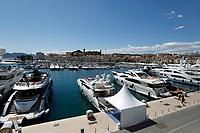 Der Yachthafen während des Festival de Cannes 2019 / 72. Internationale Filmfestspiele von Cannes am Palais des Festivals. Cannes, 13.05.2019