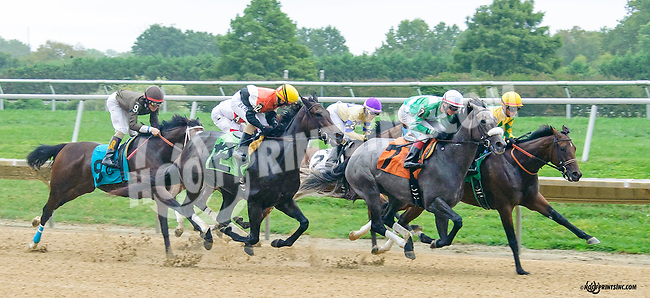 Gansett winning at Delaware Park on 9/30/15