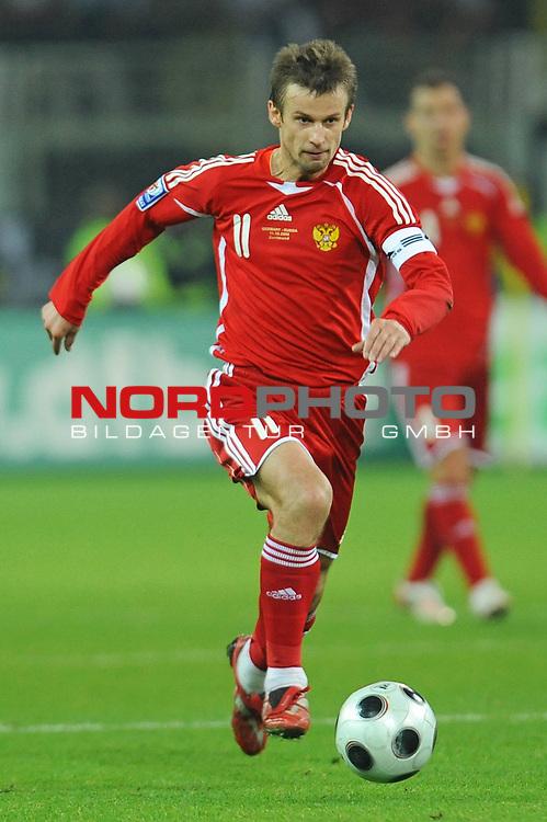Fussball, L&auml;nderspiel, WM 2010 Qualifikation Gruppe 4 Westfalen Stadion Dortmund ( SIGNAL IDUNA PARK )<br />  Deutschland (GER) vs. Russland ( RUS )<br /> <br /> Sergue&iuml; Semak  (RUS #11) <br /> <br /> Foto &copy; nph (  nordphoto  )<br />  *** Local Caption ***