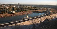 Ma&ntilde;ana fr&iacute;a en la ciudad y mas aun en los puntos altos como la falda  del cerro de la cementera de donde fue fotografiada el parque de la sauceda.<br /> <br /> arque recreativo la Sauceda y humedal o laguna con agua de la lluvia y la presa de Hermosillo.<br /> <br /> La Sauceda recreational park and wetland or lagoon with rainwater and the Hermosillo dam