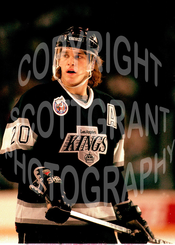 Luc Robitaille LA Kings 1993. Photo F. Scott Grant