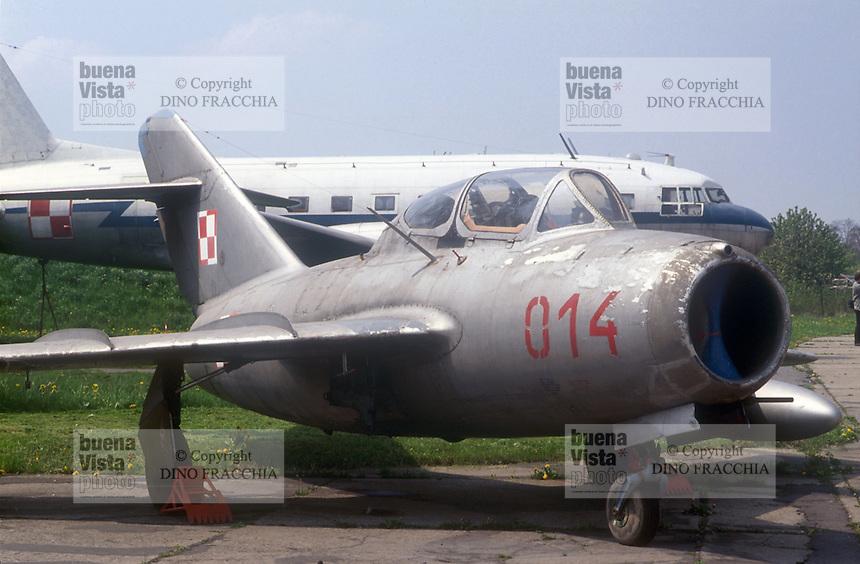 - air museum of Cracovia  (Poland), fighter airplane MIG 15 UTI (URSS, 1950)....- museo dell' aeronautica di Cracovia (Polonia), aereo da caccia MIG 15 UTI  (URSS, 1950)