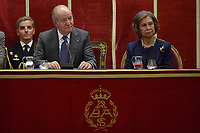 King Juan Carlos I of Spain and Queen Sofia of Spain deliver the Medal of Honor to the Royal Theater at the San Fernando Museum. Neverber 13 ,2017. (ALTERPHOTOS/Pool) /NortePhoto.com