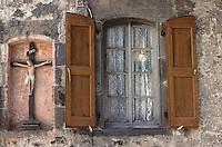 Europe/France/Auvergne/12/Aveyron/Mur-de-Barrez: Détail fenêtre