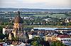 Blick über Mainz mit der Christuskirche auf den Rhein und das Ufer von Mainz-Kastel