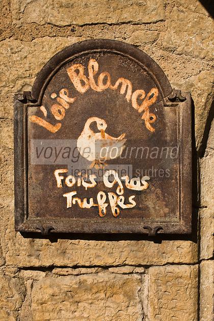 Europe/France/Aquitaine/24/Dordogne/Vallée de la Dordogne/Périgord Noir/Sarlat-la-Canéda: Enseigne de boutique de spécialités du Périgord noir