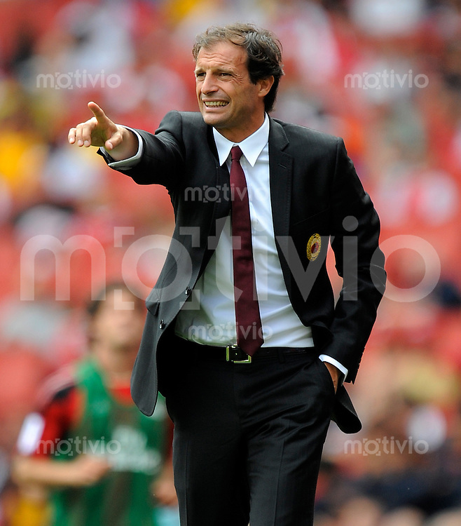 FUSSBALL INTERNATIONAL   SERIE A   SAISON 2010/2011    Emirates Cup, AC Milan - Olympic Lyon    01.08.2010 Massimilliano Allegri (Mailand)