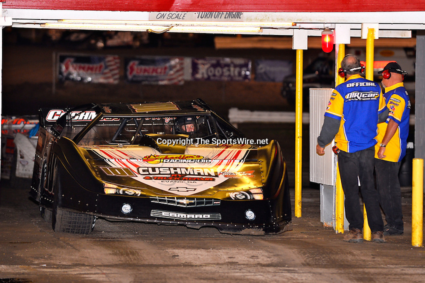 Feb 22, 2014; 6:46:04 PM;  Barberville, FL, USA;  World of Outlaws Late Model Series for 43rd Annual DIRTcar Nationals presented by Summit Racing Equipment at Volusia Speedway Park.  Mandatory Credit: (thesportswire.net)
