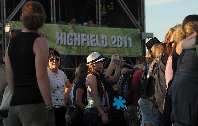 Highfield-Festival 2011 am Störmthaler See. im Bild:  Highfield 2011, Schönes Wetter, nette Menschen. Foto: Alexander Bley