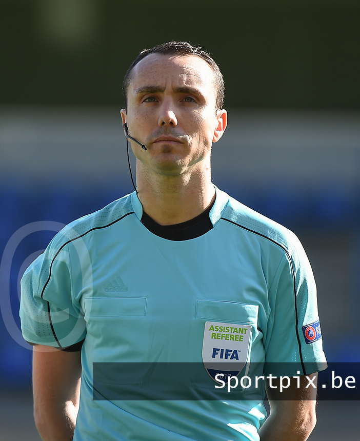 20170323 - BEVEREN , BELGIUM : Assistant referee Cyril Mugnier pictured during the UEFA Under 19 Elite round game between Sweden U19 and Belgium U19, on the first matchday in group 7 of the Uefa Under 19 elite round in Belgium , thursday 23 th March 2017 . PHOTO SPORTPIX.BE | DIRK VUYLSTEKE