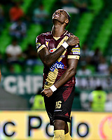 PAMIRA-COLOMBIA, 05-06-2019: Marco Pérez de Deportes Tolima se lamenta tras perder oportunidad de gol, durante partido entre Deportivo Cali y Deportes Tolima, de la fecha 6 de los cuadrangulares semifinales por la Liga Águila I 2019 jugado en el estadio Deportivo Cali (Palmaseca) de la ciudad de Palmira. / Marco Perez of Deportes Tolima, reacts after missing a change to scored a gaol, during a match between Deportivo Cali and Deportes Tolima, of the 6th date of the semifinals quarters for the Aguila Leguaje I 2019 at the Deportivo Cali (Palmaseca) stadium in Palmira city. Photo: VizzorImage / Nelson Ríos / Cont.