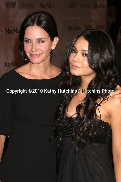 Courteney Cox & Vanessa Hudgens.arrives at the 2010 Crystal & Lucy Awards presented by Women in Film, Los Angeles.Century Plaza Hotel.Century City, CA.June 1, 2010.©2010 Kathy Hutchins / Hutchins Photo..
