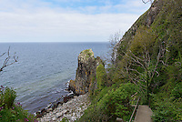 Granitklippen Jons Kapel an der Westk&uuml;ste der Insel Bornholm, D&auml;nemark, Europa<br /> Granite Cliffs &quot;Jons Kapel&quot;, Westcoast, isle of Bornholm, Denmark