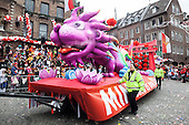 Düsseldorf, Germany. 27 February 2017. Elaborate float with a dragon of carnival club KG Regenbogen. Carnival parade on Shrove Monday (Rosenmontag) in Düsseldorf, North Rhine-Westphalia, Germany.