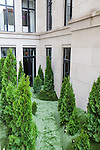 The Kips Bay Decorator Show House invited twenty one designers and architects to transform a luxury Manhattan townhouse for a benefit to the Kips Bay Boys & Girls Club. <br /> <br /> Pictured, design by Sawyer/Bernson Architecture & Landscape Architecture<br /> <br /> <br /> Danny Ghitis for The New York Times