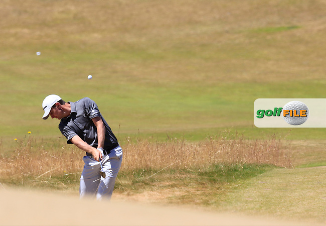 Justin Rose (ENG) chips into the 7th green from the sand during Friday's Round 2 of the 2015 U.S. Open 115th National Championship held at Chambers Bay, Seattle, Washington, USA. 6/19/2015.<br /> Picture: Golffile | Eoin Clarke<br /> <br /> <br /> <br /> <br /> All photo usage must carry mandatory copyright credit (&copy; Golffile | Eoin Clarke)