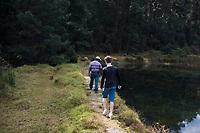 walk. Annuska, Felix and I in Federico Rigolettis weekend house near Valle de Bravo. Reserva el Peñon, Temascaltepec, Estado de Mexico