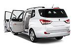 Car images of 2014 Ssangyong Rodius Sapphire 5 Door Minivan Doors