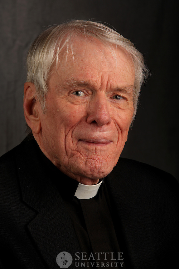 William O'Malley, Jesuit, Adjunct Faculty.Matteo Ricci College.CASY headshot day 2, 2012