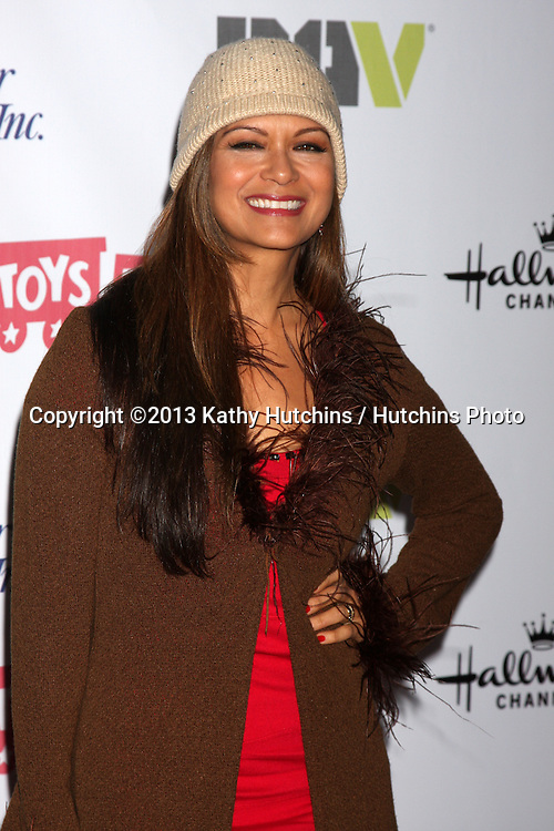 LOS ANGELES - DEC 1:  Nia Peeples at the 2013 Hollywood Christmas Parade at Hollywood & Highland on December 1, 2013 in Los Angeles, CA