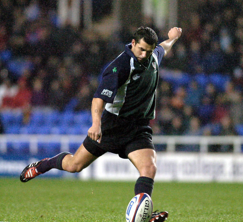 Photo. Henry Browne..23/11/2003..London Irish v Newcastle Falcons. .Zurich Premiership..Barry Everitt.